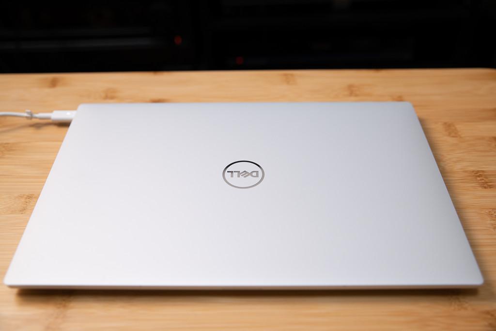 Dell XPS 13 (9300) 高級感のある外観